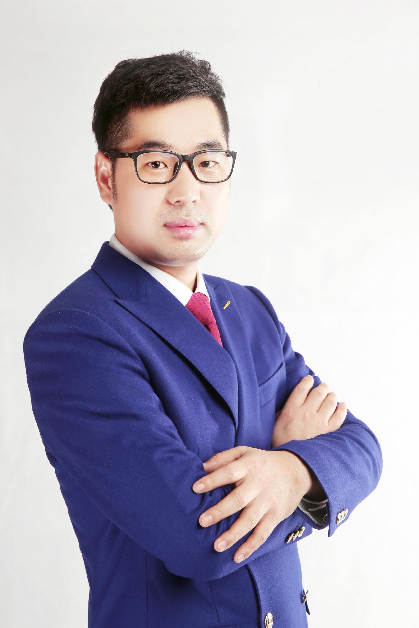 石小龙副会长